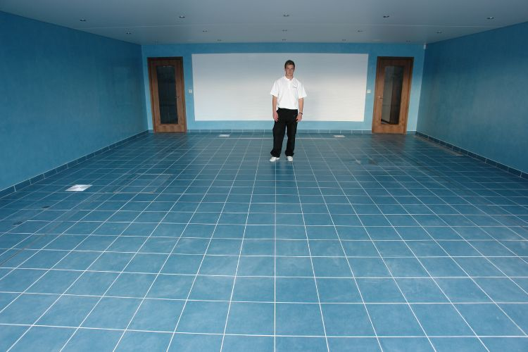 Movable floor swimming pools latest pool technology for Swimming pool flooring materials